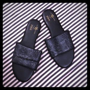 Yosi Samra Black Snakeskin Leather Slides